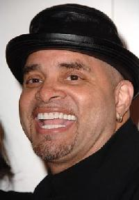 sinbad(2007-headshot-black-hat-med)