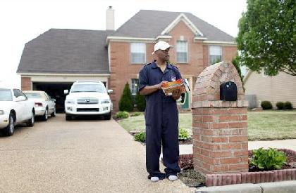 Memphis home owner Tyrone Banks now facing hard times because of economy