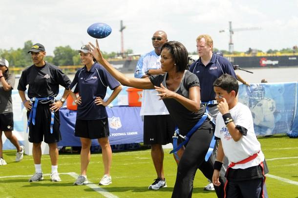 FLOTUS throw Michelle Obama Plays Flag Football