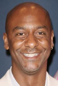 <b>Stephen Hill</b> - stephen_hill2007-headshot-smile-med