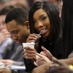 Brandy Finds Pregnancy Rumors 'Hilarious'