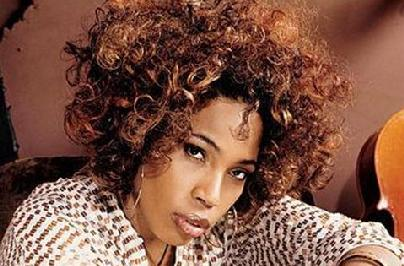 macy_gray(2011-sexy-med-wide)