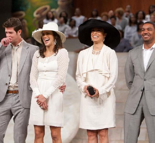 (L-R): Robin Thicke, Paula Patton, Valarie Pettiford and Laz Alonso at Bishop T.D. Jakes' The Potter's House Easter service. (Photo credit: Rance Elgin, courtesy TDJ Enterprises/The FrontPage Firm)