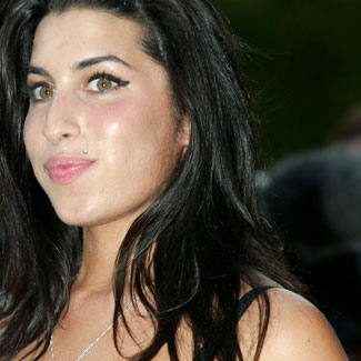 Amy Winehouse's Father Blames Siezure for Her Death   EURweb  Amy Winehouse