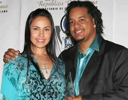 manny&juliana_ramirez(2011-big-ver-upper)
