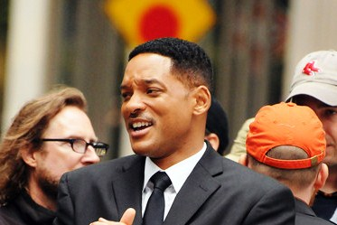 "Will Smith filming the much anticipated ""Men in Black 3"" in New York. The actor seemed to be enjoying his work, as he laughed and joked with director Barry Levinson on set. (June 11, 2011)"