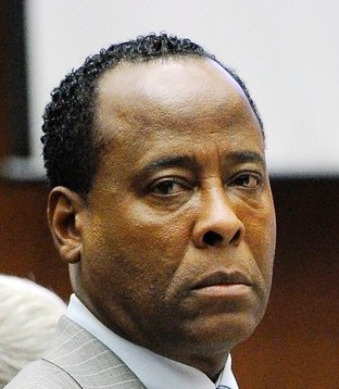 LOS ANGELES, CA - NOVEMBER 01:  Dr. Conrad Murray waits to leave the courtroom for the day during the final stage of Conrad Murray's defense in his involuntary manslaughter trial in the death of singer Michael Jackson at the Los Angeles Superior Court on November 1, 2011 in Los Angeles, California. Dr. Murray decided not to testify for his defense. Murray has pleaded not guilty and faces four years in prison and the loss of his medical licenses if convicted of involuntary manslaughter in Jackson's death.  (Photo by Kevork Djansezian/Getty Images)