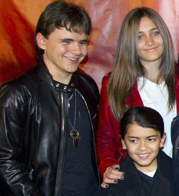 michael-jackson-s-children-prince-paris-and-blanket-pic-reuters-270396198