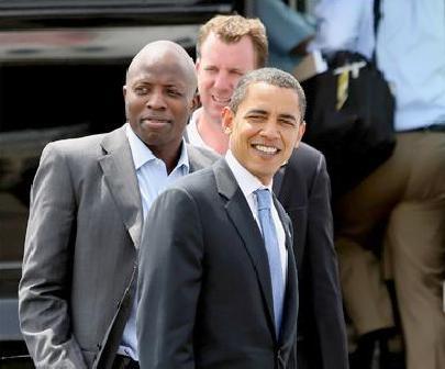 reggie_love&obama(2011-med-wide)