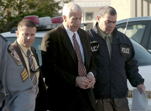 jerry sandusky (center)