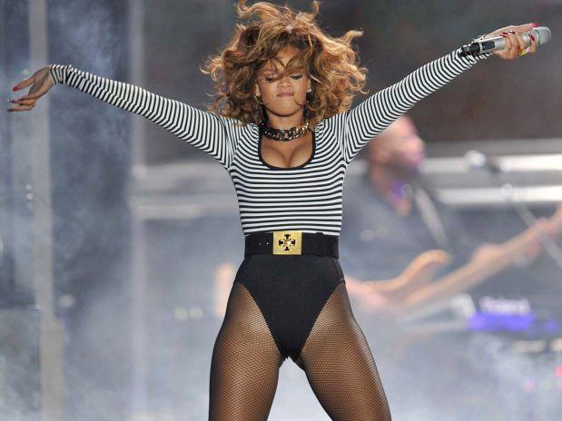 Rihanna loud tour sao paulo, brazil