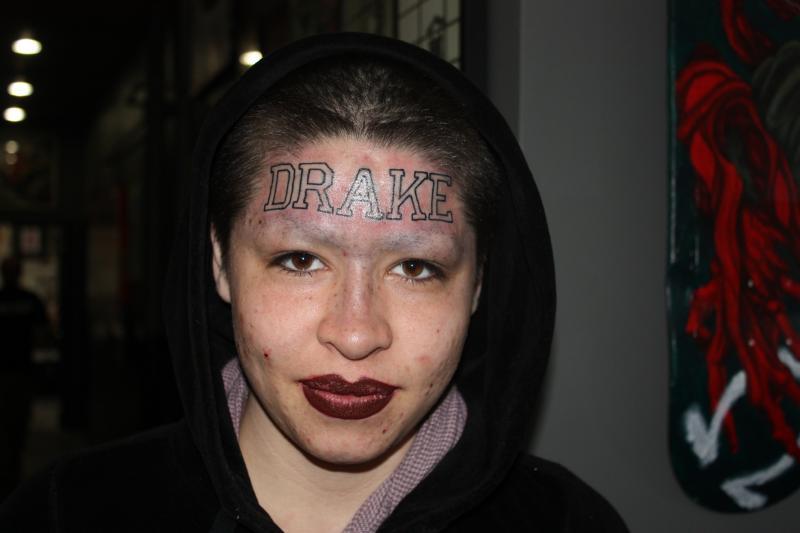 drake-forehead-tattoo