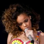 Rihanna Vomits Mid-Concert (Video), Then Tweets About It