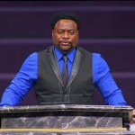 Eddie Long Back to Leading Congregation