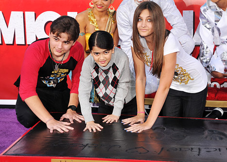 jackson_kids_handprints_2_l