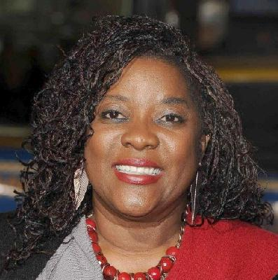 loretta_devine(20120headshot-big-ver-upper)