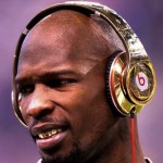 Chad Ochocinco Takes 200 Tweeps to Dinner in Harlem