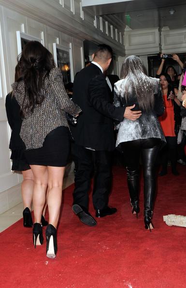 kim kardashian flour bomb 2