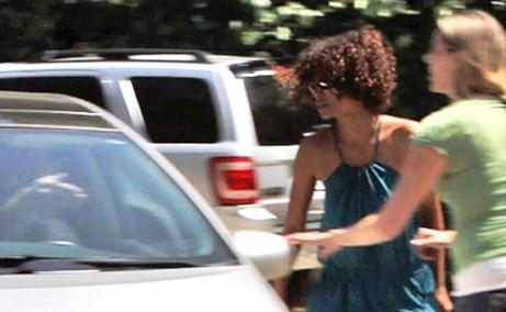 Halle Berry explodes on photographer Andrew Deetz