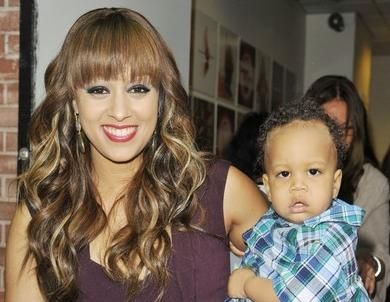 tia_mowry&baby_cree(2012-at-wendy-show-big-ver-upper)