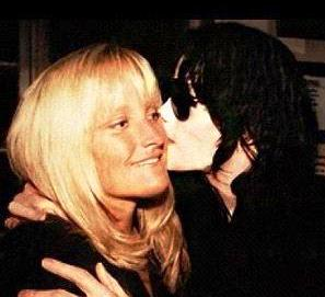 debbie-rowe-and-michael-jackson_467x467