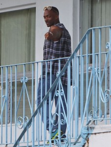 Anthony Mackie on the set of 'Pain And Gain' in Miami, Florida on May 30th, 2012.