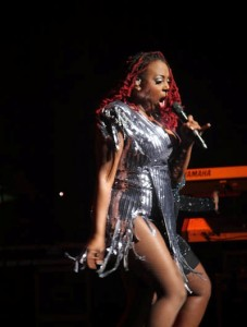 """Ledisi performing during her """"BGTY"""" Tour."""