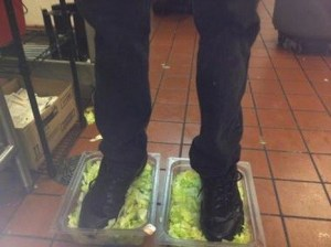 burger-king-lettuce-employee