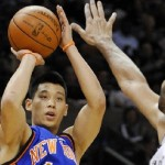 Houston Wants Linsanity More than New York: Point Guard Now a Rocket