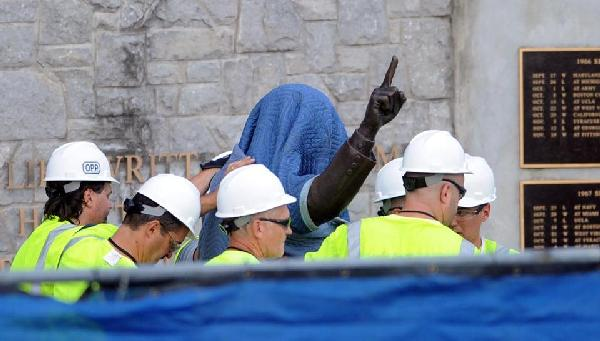 joe paterno statue being removed