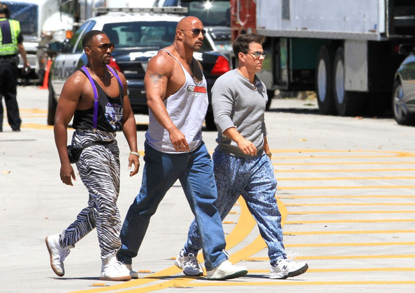 (L-R) Anthony Mackie, Dwayne 'The Rock' Johnson, Mark Wahlberg film a scene for 'Pain and Gain.' (April 24, 2012)