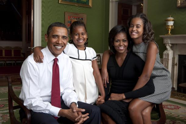 obama-family-portrait