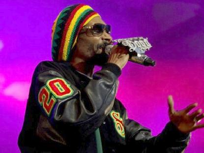 snoop dogg (rasta look)