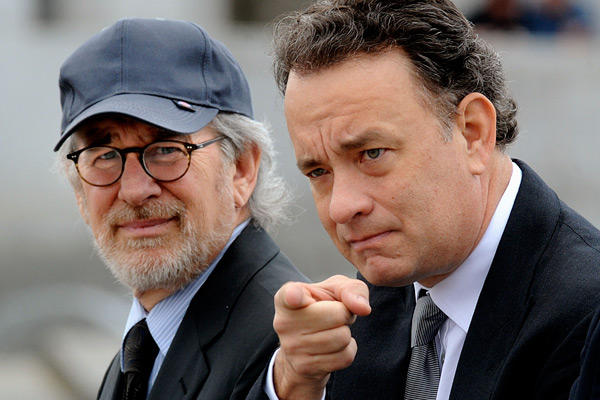 Steven Spielberg (L) and Tom Hanks in Washington DC to promote 'The Pacific,' HBO's 10-part miniseries (March 13, 2010) The two co-produced the project.