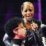 Mary J. Blige Surprises iHeartRadio Concert with Prince (Video)