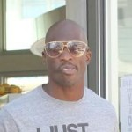 Ochocinco Refuses to Lose Wedding Ring Given to Him by Evelyn (Photo)