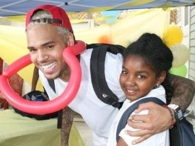chris brown and young girl at jenesse center