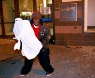 hurricane sandy looter