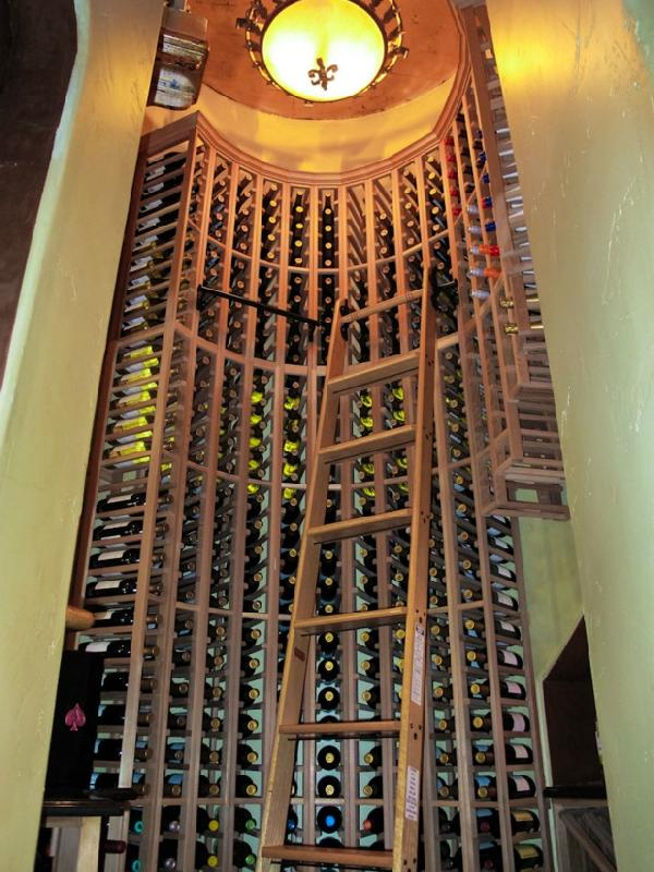 warren sapp orlando former home wine cellar