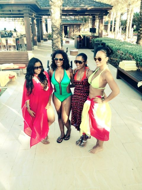 evelyn-lozada-bahamas-reality-girls-christmas-vacation-the-jasmine-brand