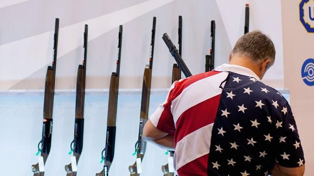 guns & flag