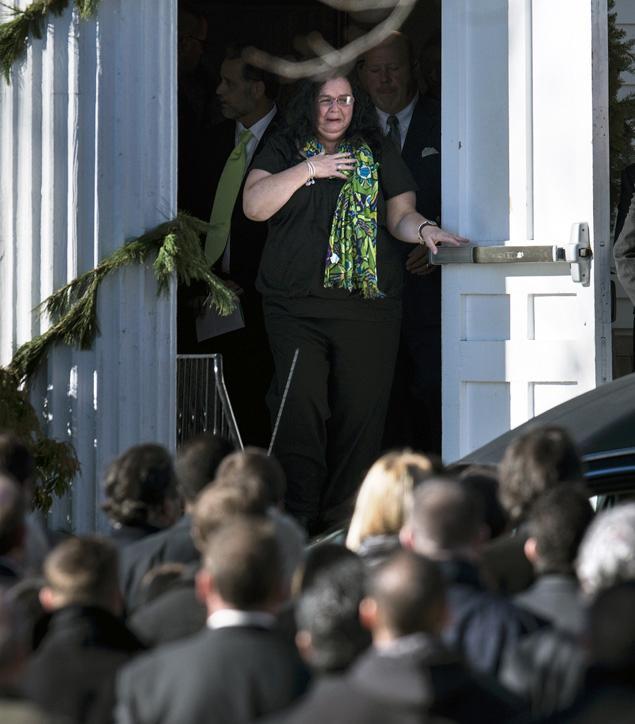 Derek Jeter Calls Mom Of Slain Sandy Hook Teacher