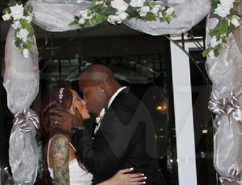 terrell suggs & candace williams wedding pic
