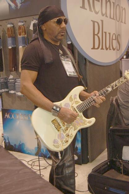 ernie isley (at namm - 2013)