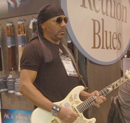 ernie isley (at namm - 2013)1