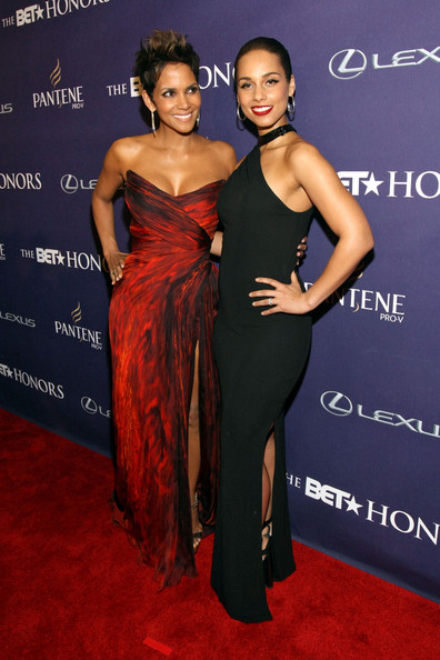 Halle Berry (L) and Alicia Keys