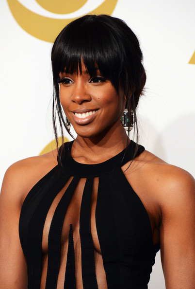 Presenter Kelly Rowland poses in the press room at the 55th Annual GRAMMY Awards at Staples Center on February 10, 2013 in Los Angeles