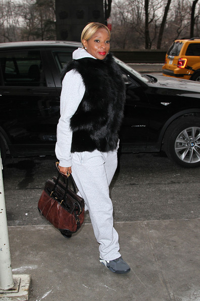 Mary J Blige arrives at her hotel in New York City,  (January 28, 2013)