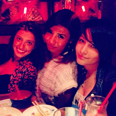paris-jackson-friends-lg