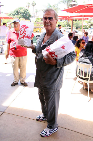 Pat Boone protests outside Chic-Fil-A restaurant as he shows support with the fast food chains founder as they are both against gay marriage while members of the gay community were protesting outside the restaurant in Hollywood. (August 1, 2012)